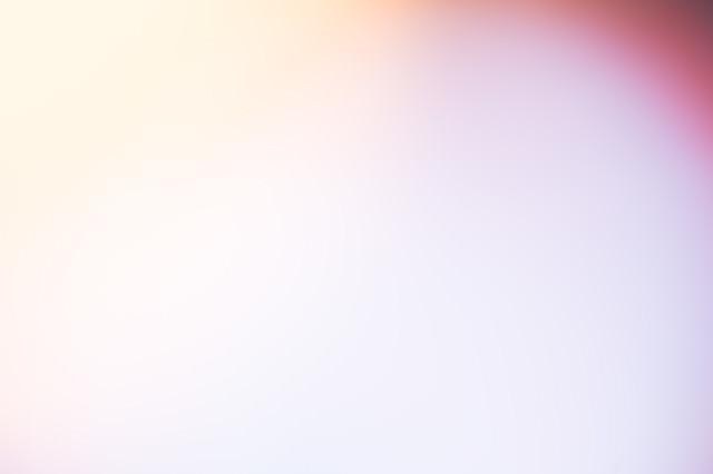 薄い紫の光の写真