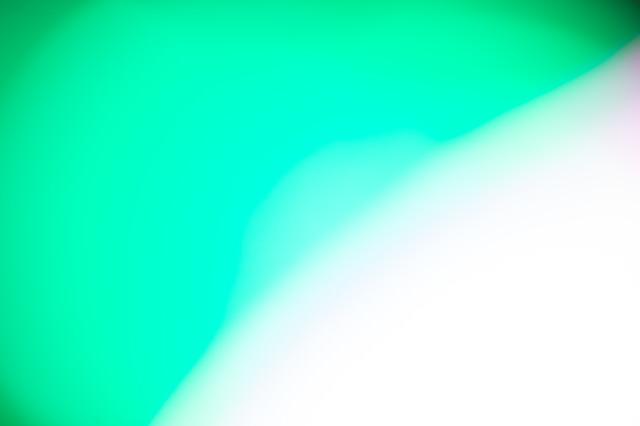 ボケた緑の光の写真