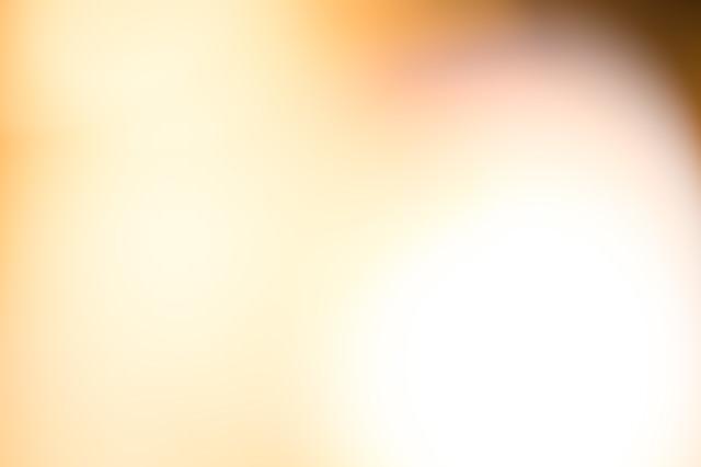 温かみのある黄色いぼかしの写真