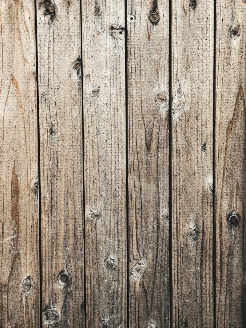 「濃い節が残る板(テクスチャ)」の写真