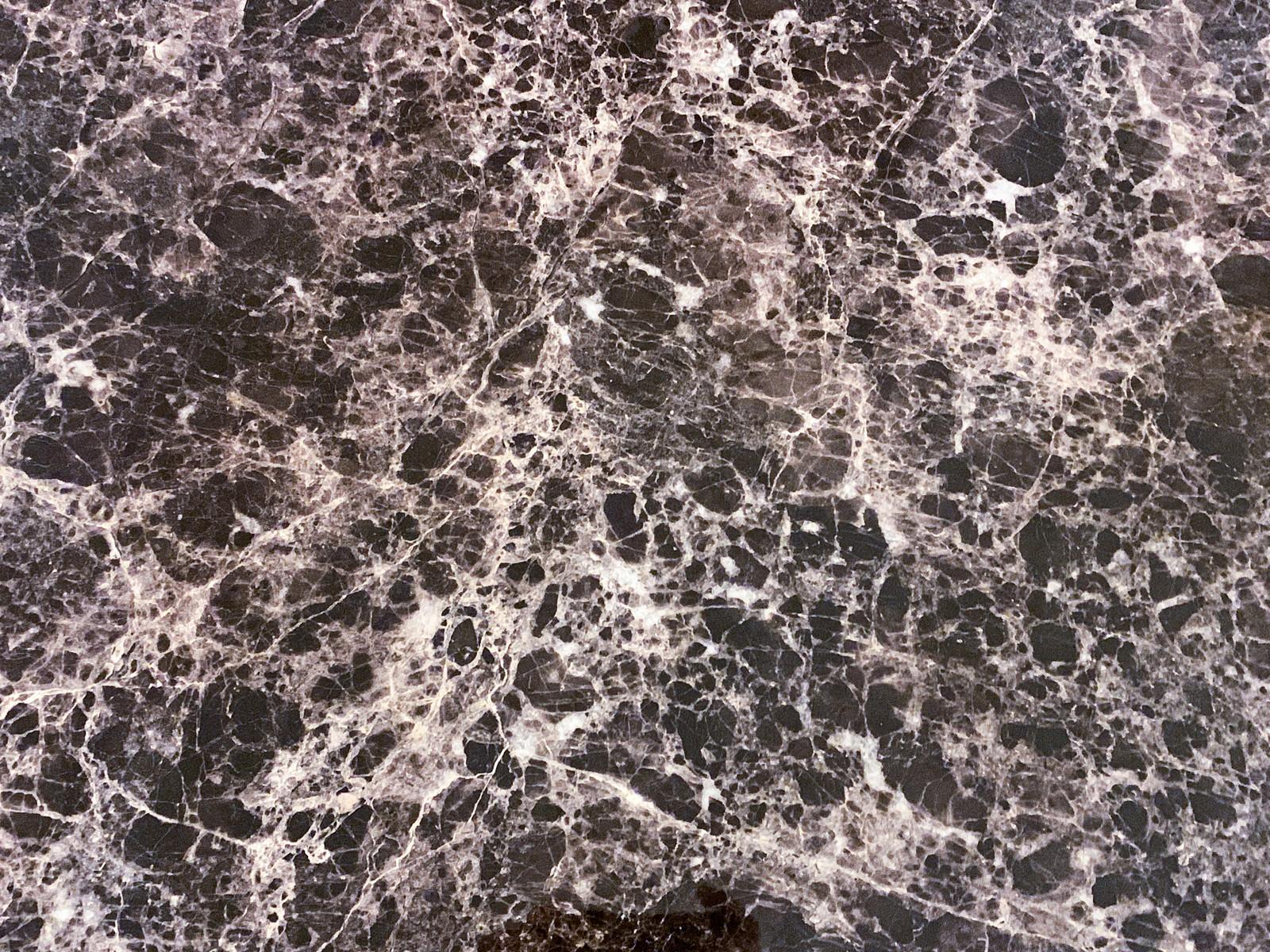 「細かいひび割れ模様の大理石調の壁(テクスチャ)」の写真