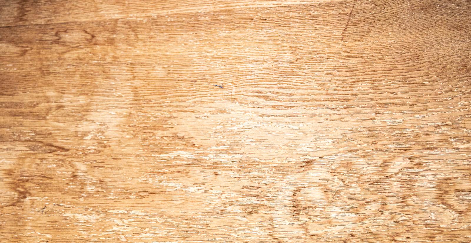 「色あせた木目板」の写真