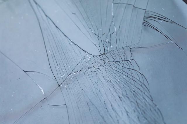割れても飛び散らないガラスフィルムの写真