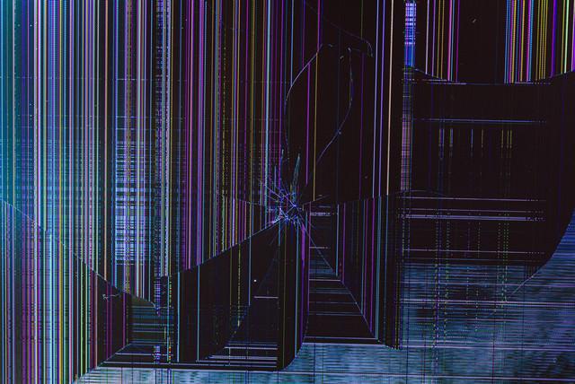 液晶モニターが破損したので表示された不思議なドット表示を撮影したの写真