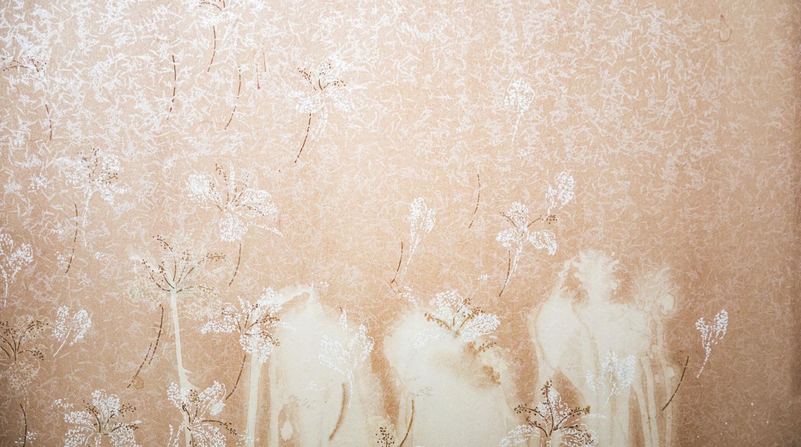 「白く染みのついた壁紙(テクスチャ)」の写真