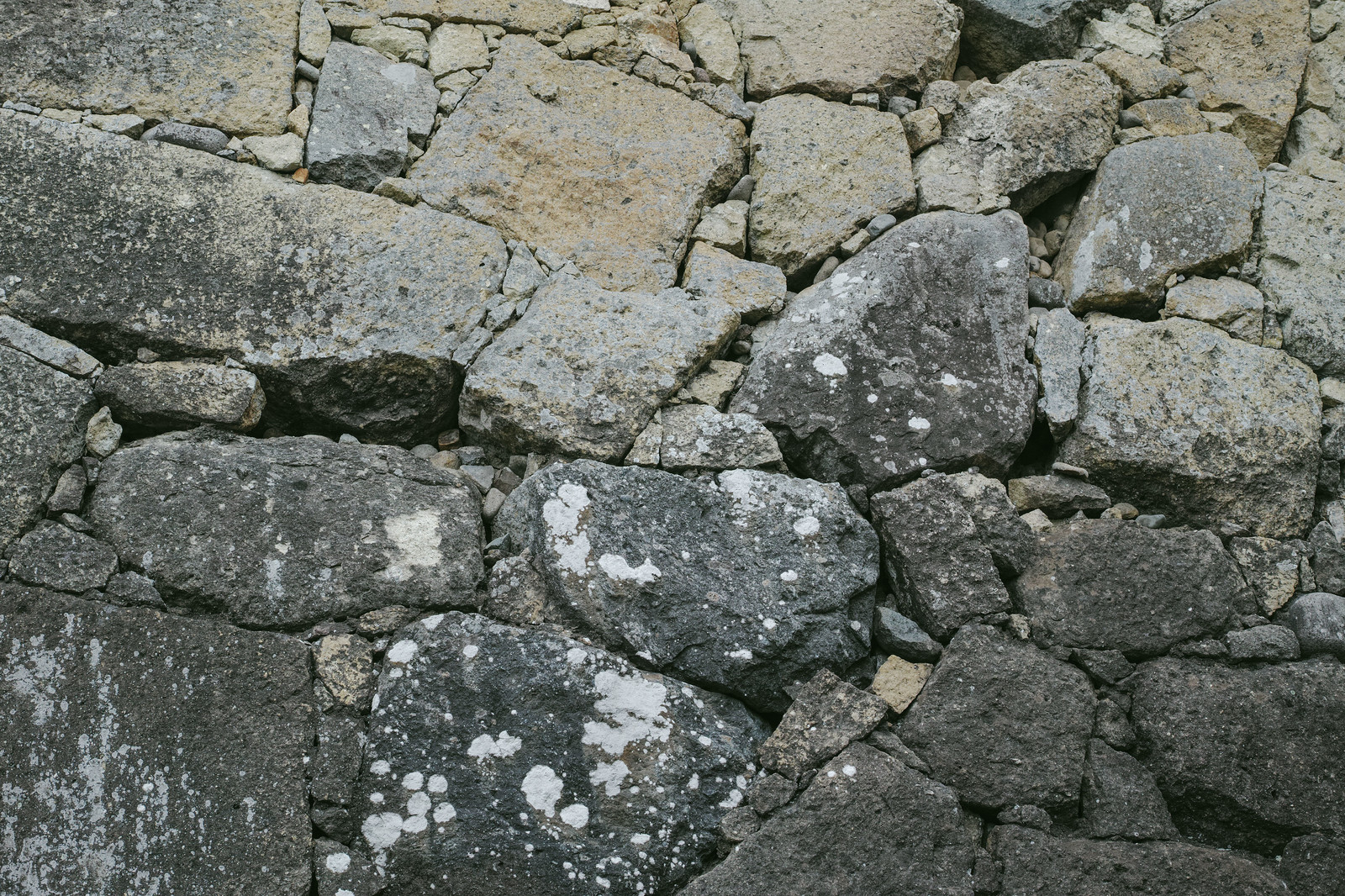 「石垣の城壁(テクスチャ)」の写真