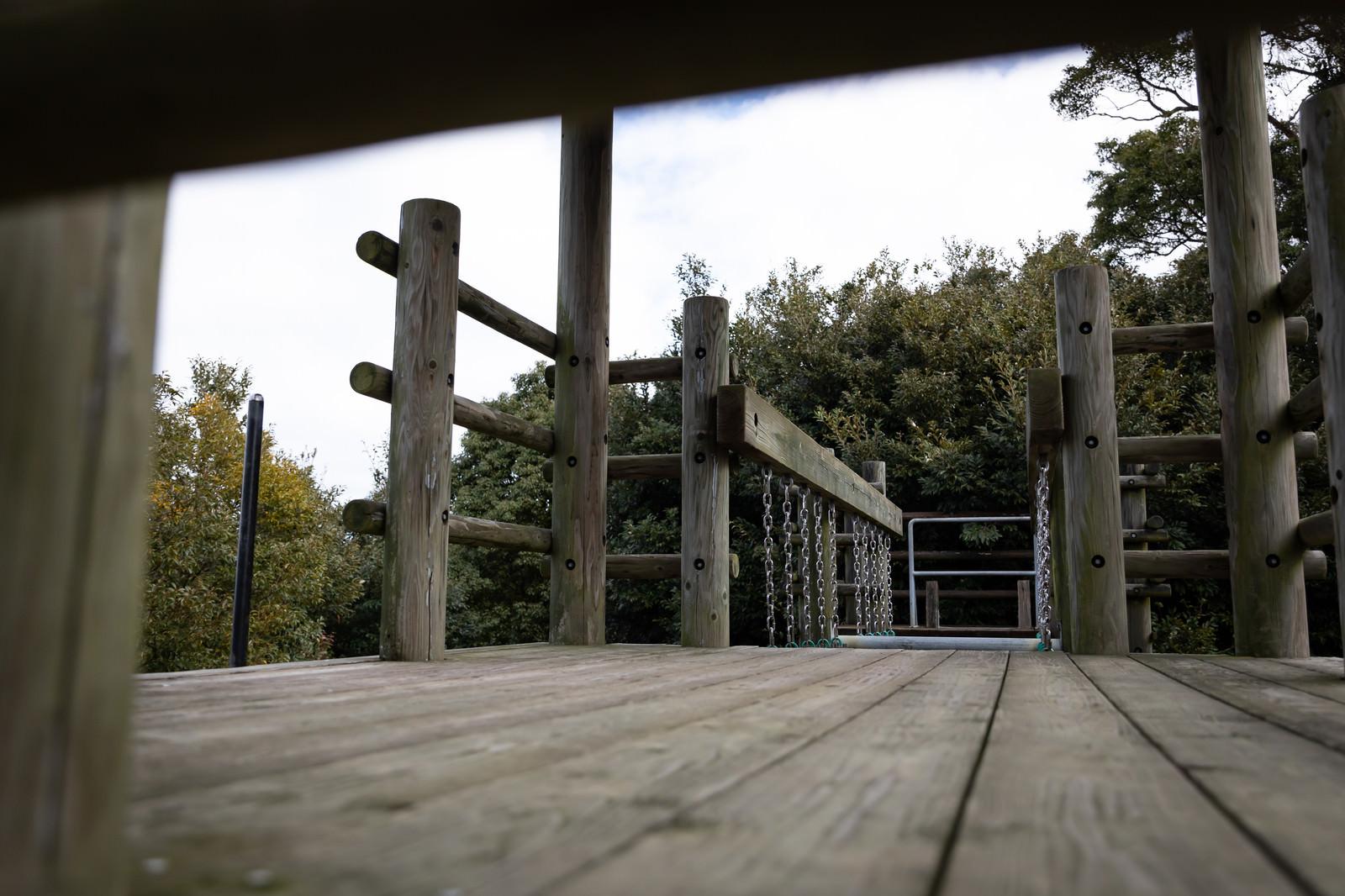「木製のアスレチック場(崎野自然公園)」の写真
