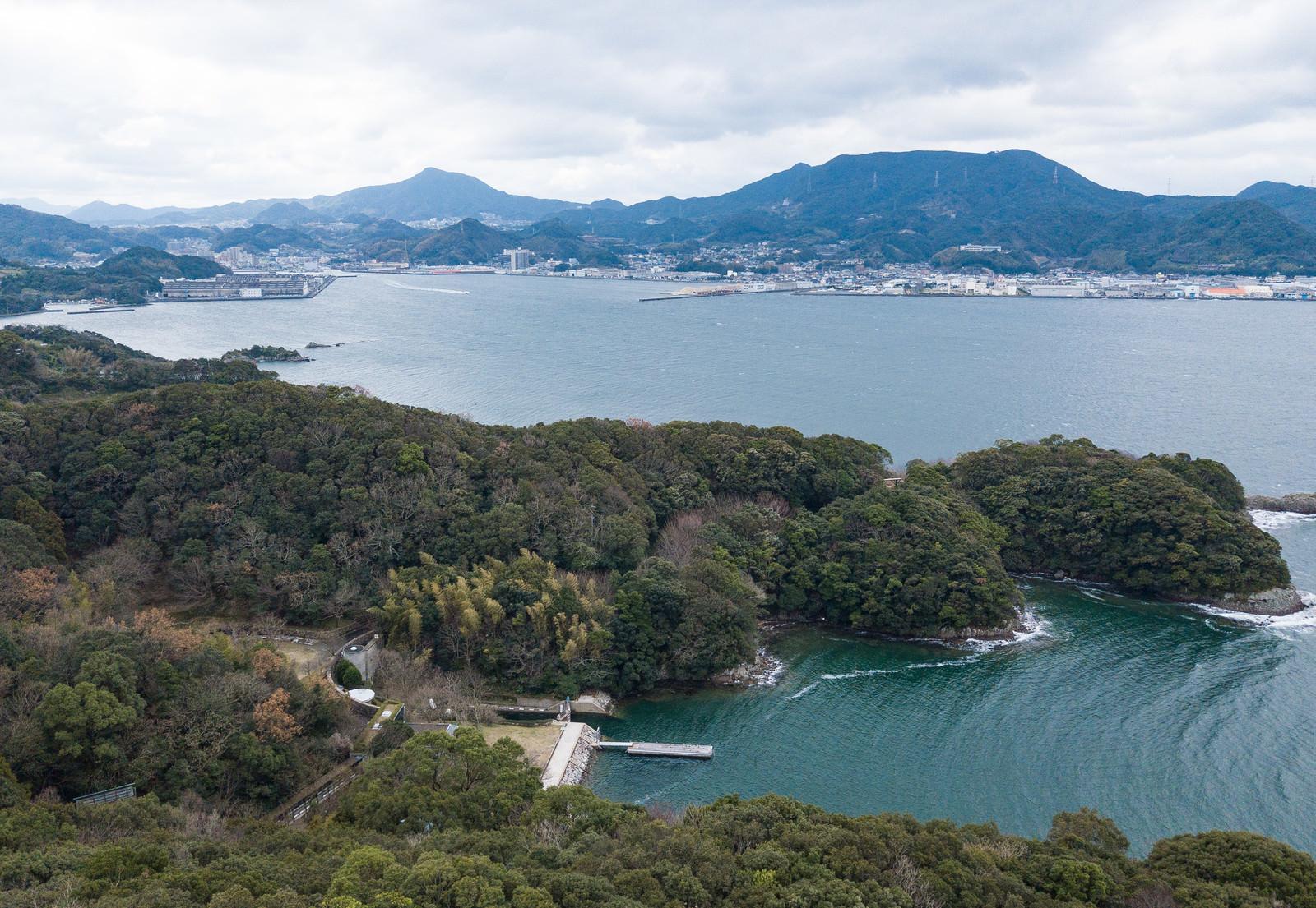 「崎野自然公園の上空から時津港の様子」の写真