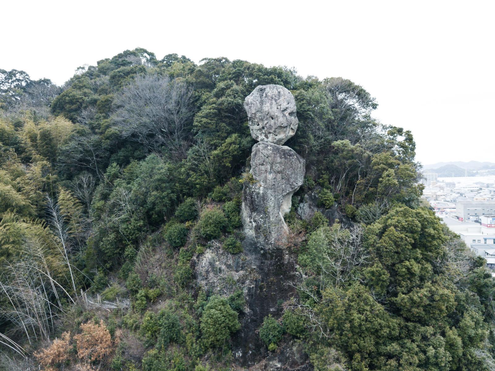 「山中にある鯖くさらかし岩」の写真