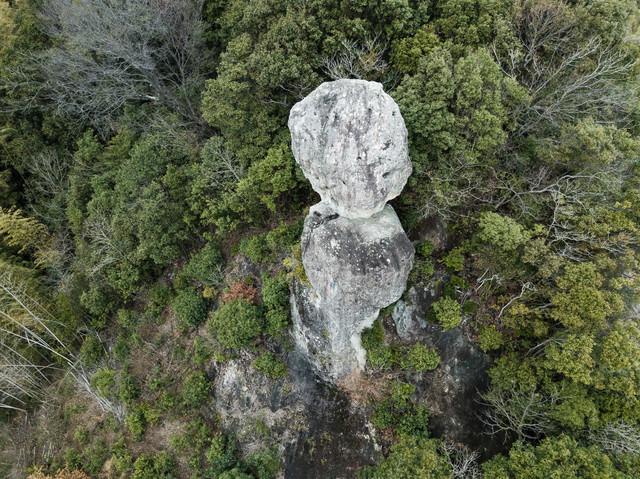 落ちないことで受験生に人気の観光スポット「鯖くさらかし岩」の写真