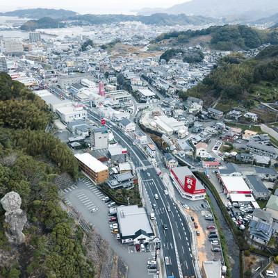鯖くさらかし岩と時津町の街並みを一望の写真