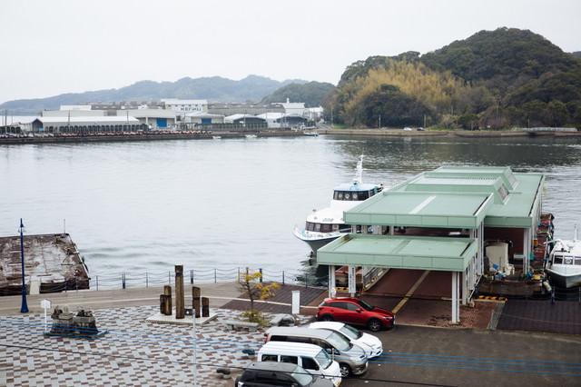 時津港と日本二十六聖人上陸の地の記念碑の写真