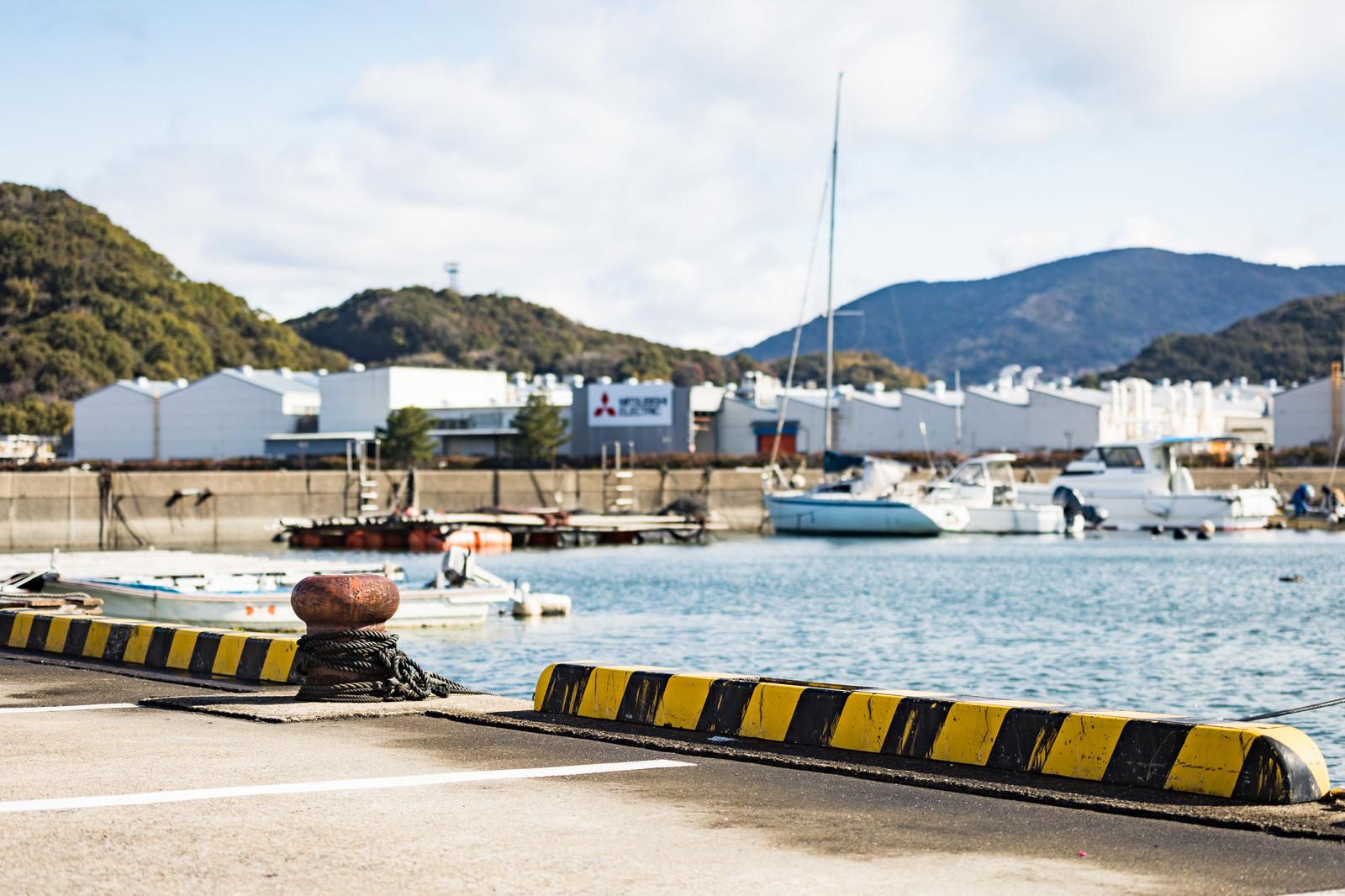「大村湾漁協組合前の海」の写真