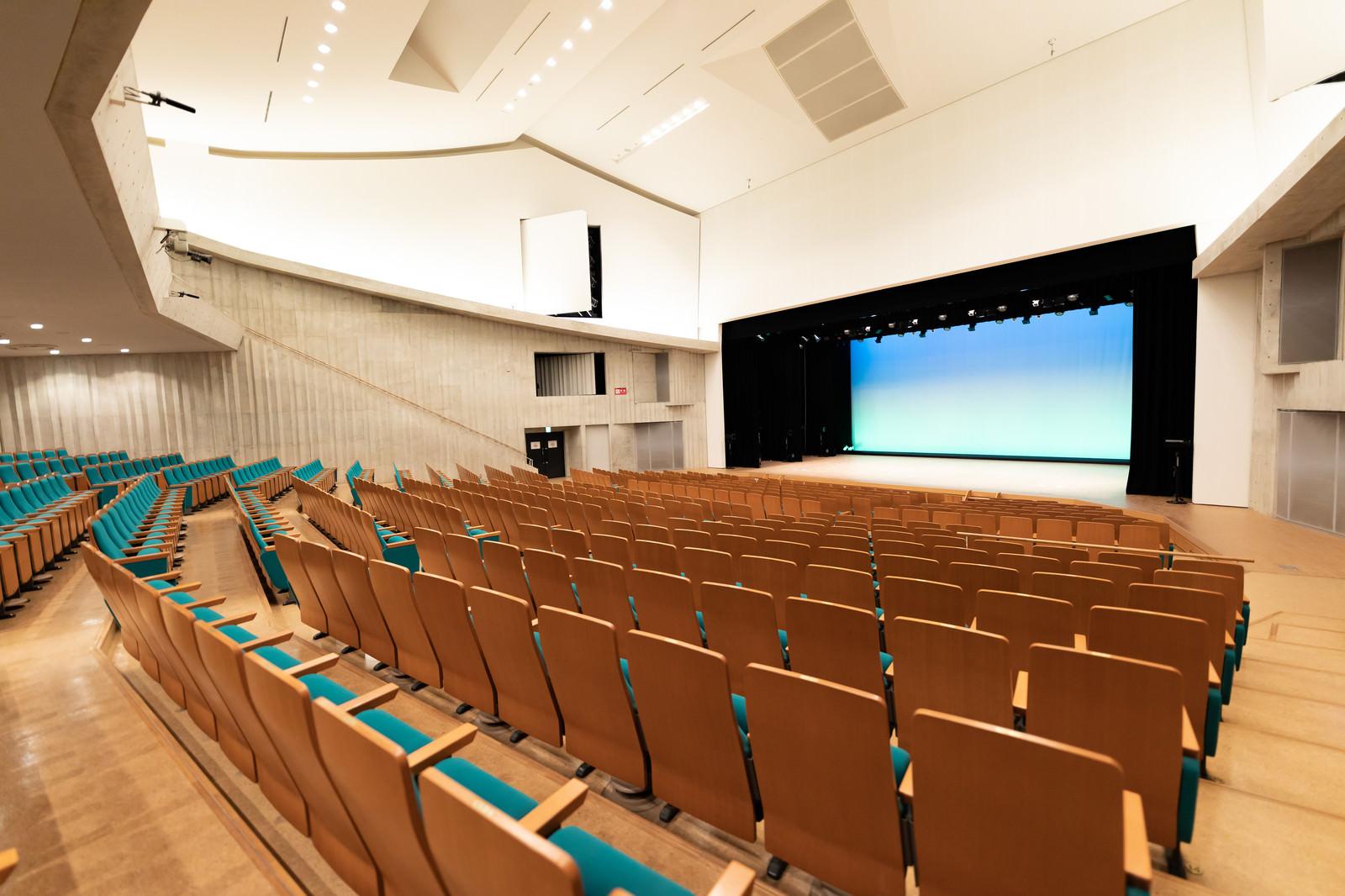 「時津町にあるコンサートホール」の写真