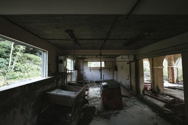 徳之島ニューオータニホテルの廃墟の写真