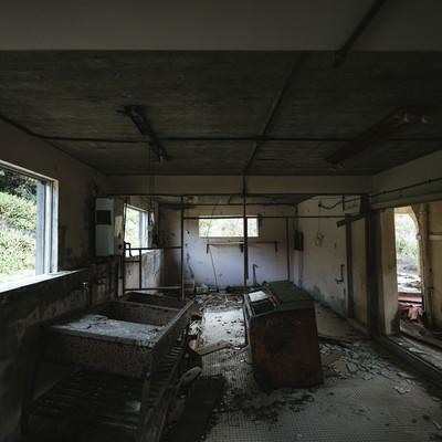 「徳之島ニューオータニホテルの廃墟」の写真素材