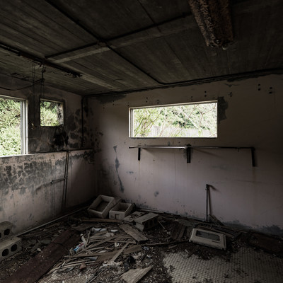 「徳之島ニューオータニ・ホテルの廃墟」の写真素材