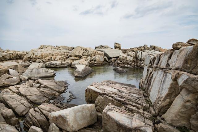 ムシロ瀬の巨岩群の写真