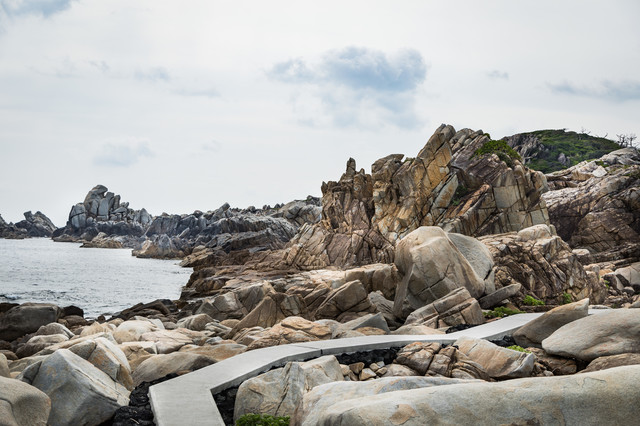 レイドボスが出現しそうなムシロ瀬の壮大な景観の写真