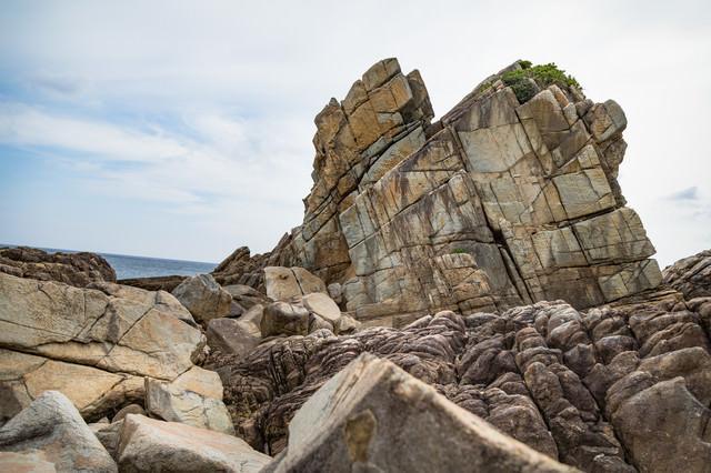 ムシロ瀬の岩石の写真
