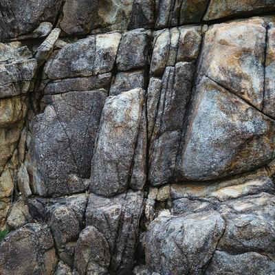 「亀裂が多いムシロ瀬の岩」の写真素材