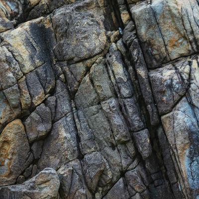 「岩の亀裂(テクスチャー)」の写真素材