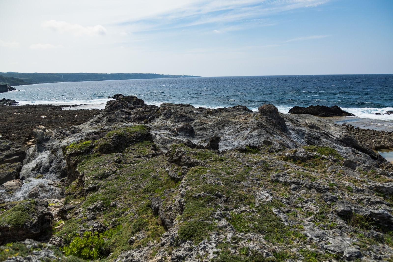 「メランジ堆積物と海岸」の写真
