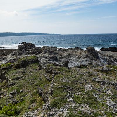 メランジ堆積物と海岸の写真