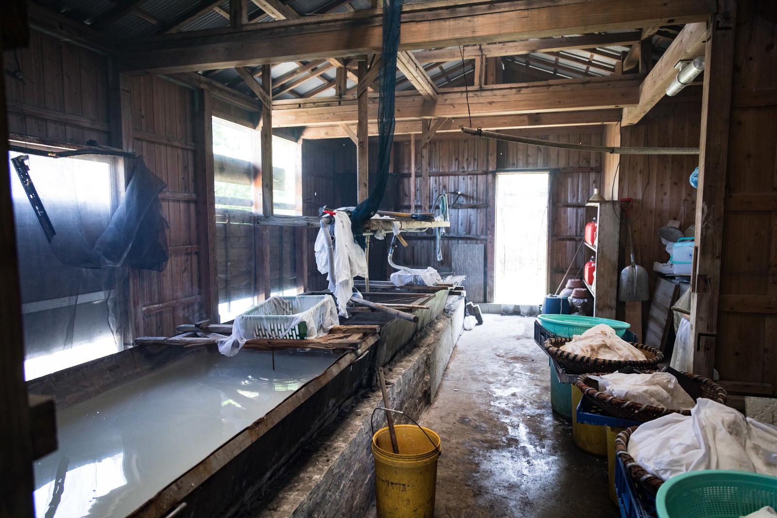「伝統製法で製塩する「ましゅ屋」」の写真