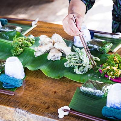 「徳之島の犬田布民家(やどぅり)のシマ料理」の写真素材
