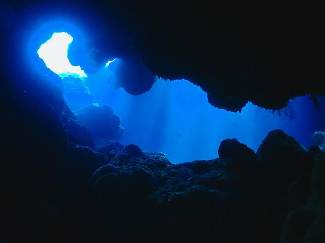 徳之島ダイビングポイント:千間海岸タイガーホールの写真
