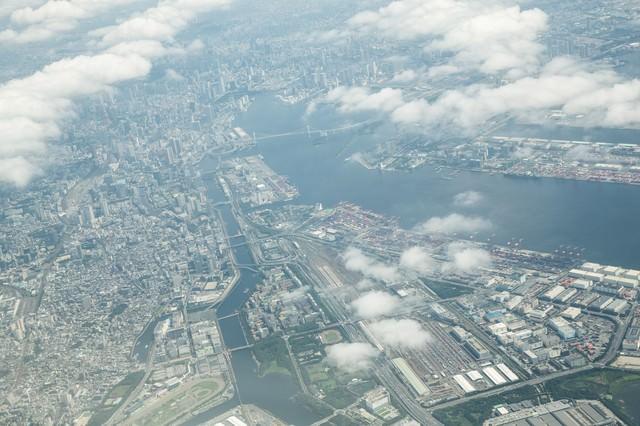 羽田空港から離陸後の都会の様子の写真