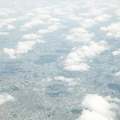 「雲の上から東京の様子」の写真素材