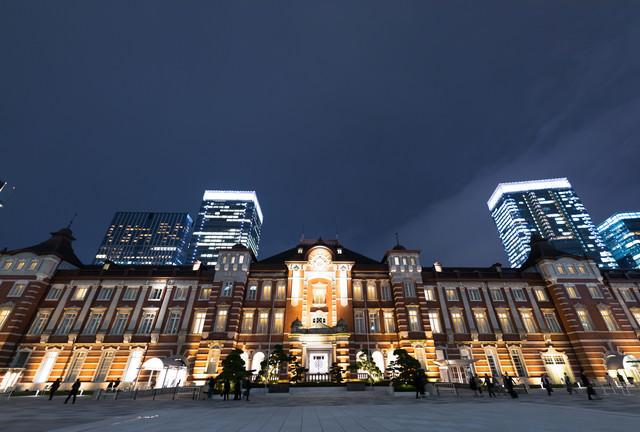 東京駅丸の内口(夜景)の写真