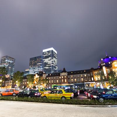東京駅前のタクシー停留所の写真