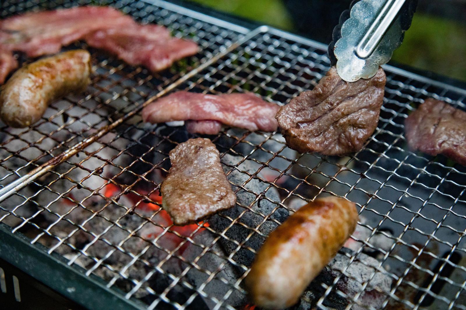 「炭火焼き肉バーベキュー」の写真