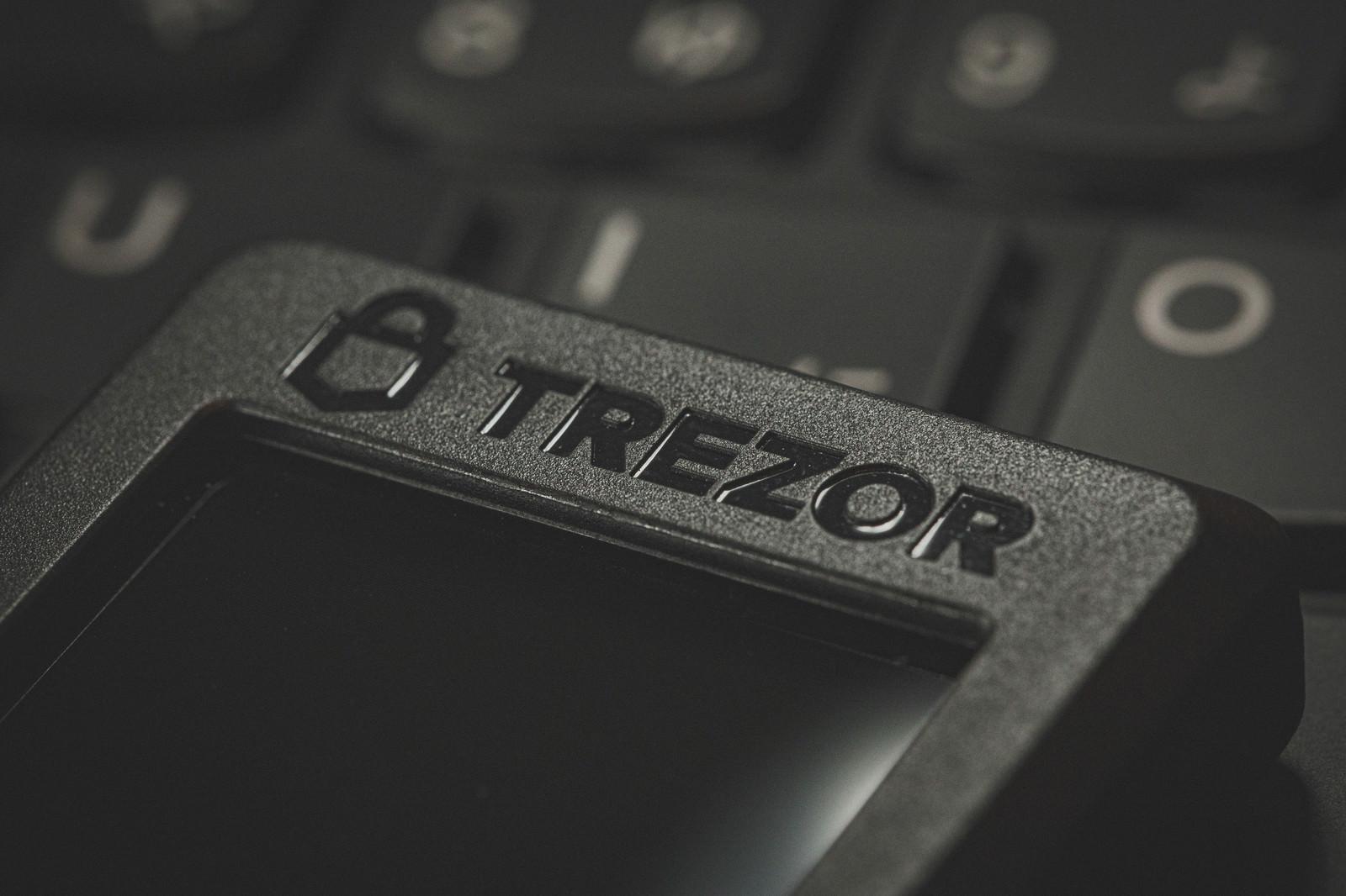 「ハードウェアウォレット「TREZOR」」の写真