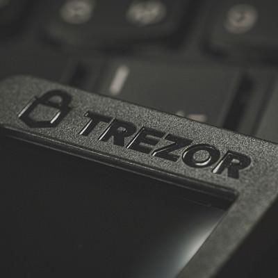 ハードウェアウォレット「TREZOR」の写真