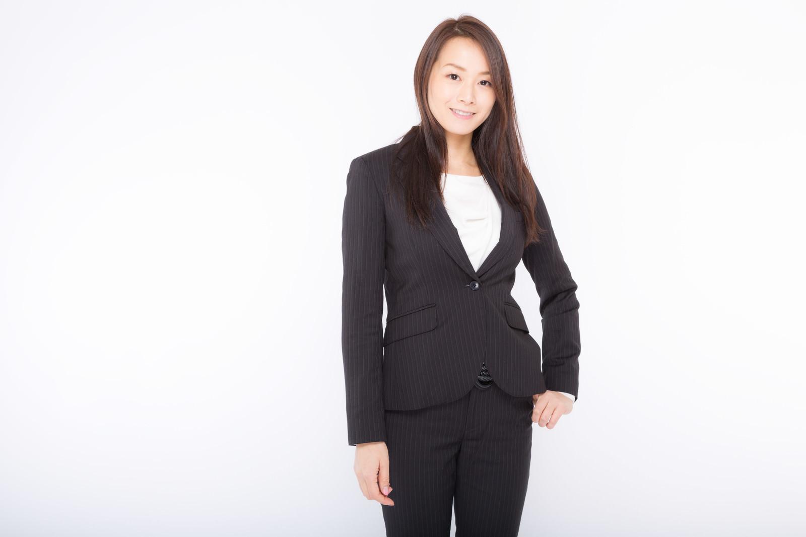 「役員クラスぽい女性のプロフィール写真役員クラスぽい女性のプロフィール写真」[モデル:土本寛子]のフリー写真素材を拡大