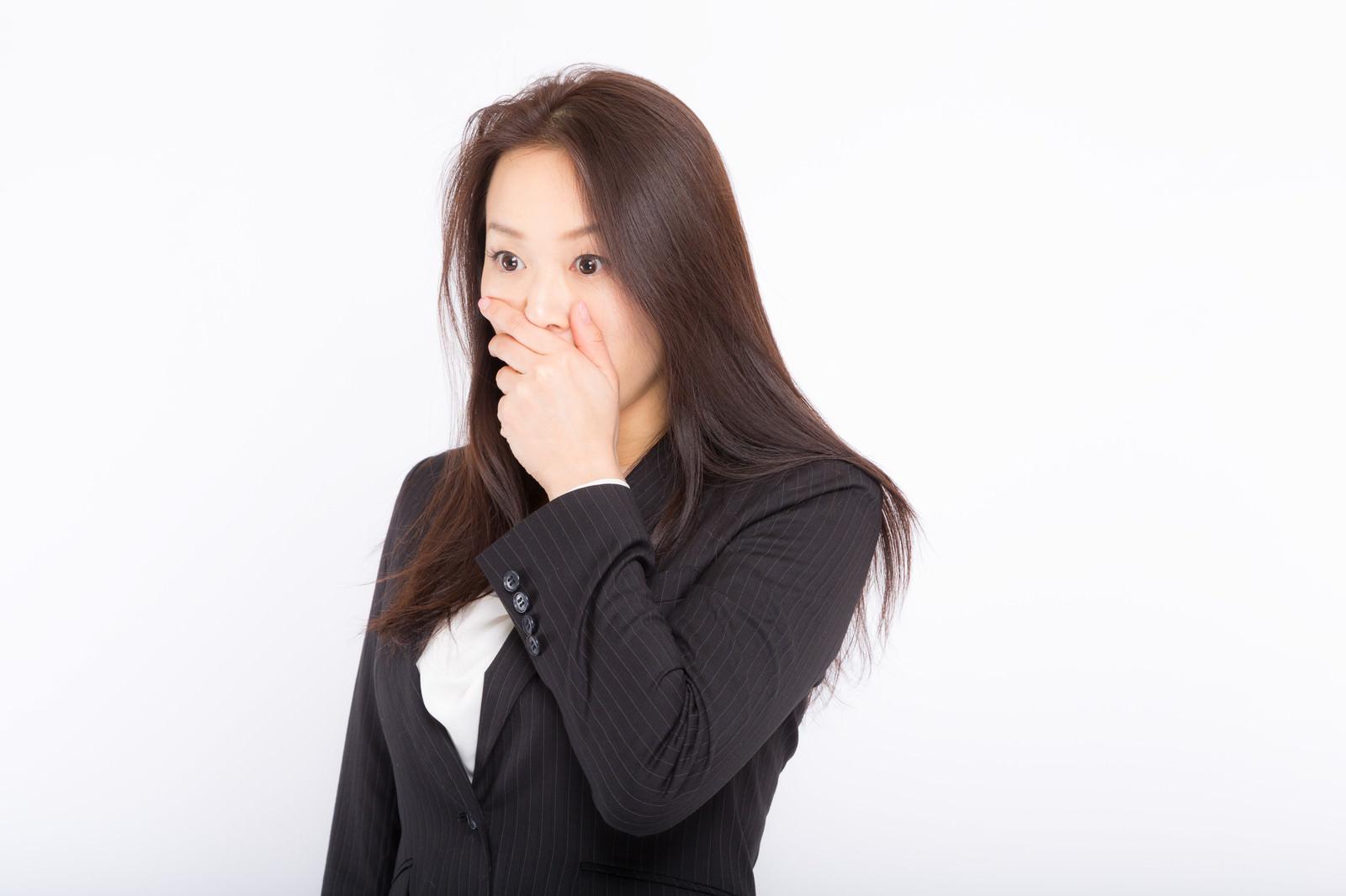 「社内の惨憺たる現状に口を覆うしかない女性社員社内の惨憺たる現状に口を覆うしかない女性社員」[モデル:土本寛子]のフリー写真素材を拡大