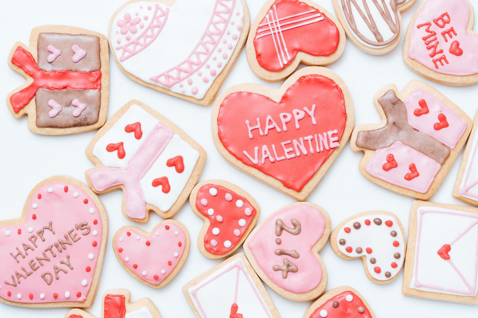 「ハートいっぱいのバレンタインクッキーハートいっぱいのバレンタインクッキー」のフリー写真素材を拡大