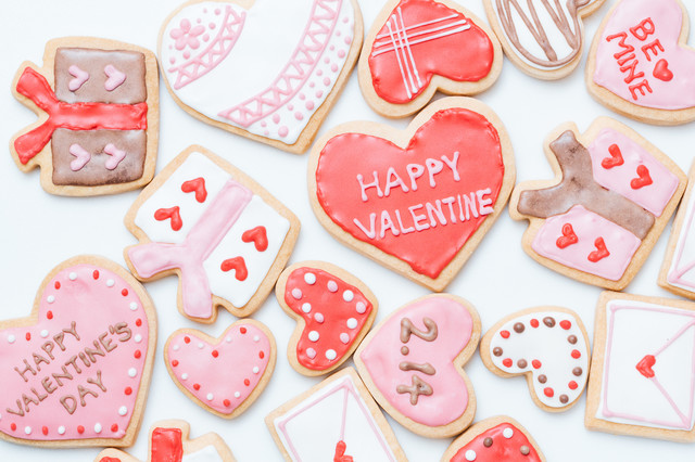「ハートいっぱいのバレンタインクッキー」のフリー写真素材