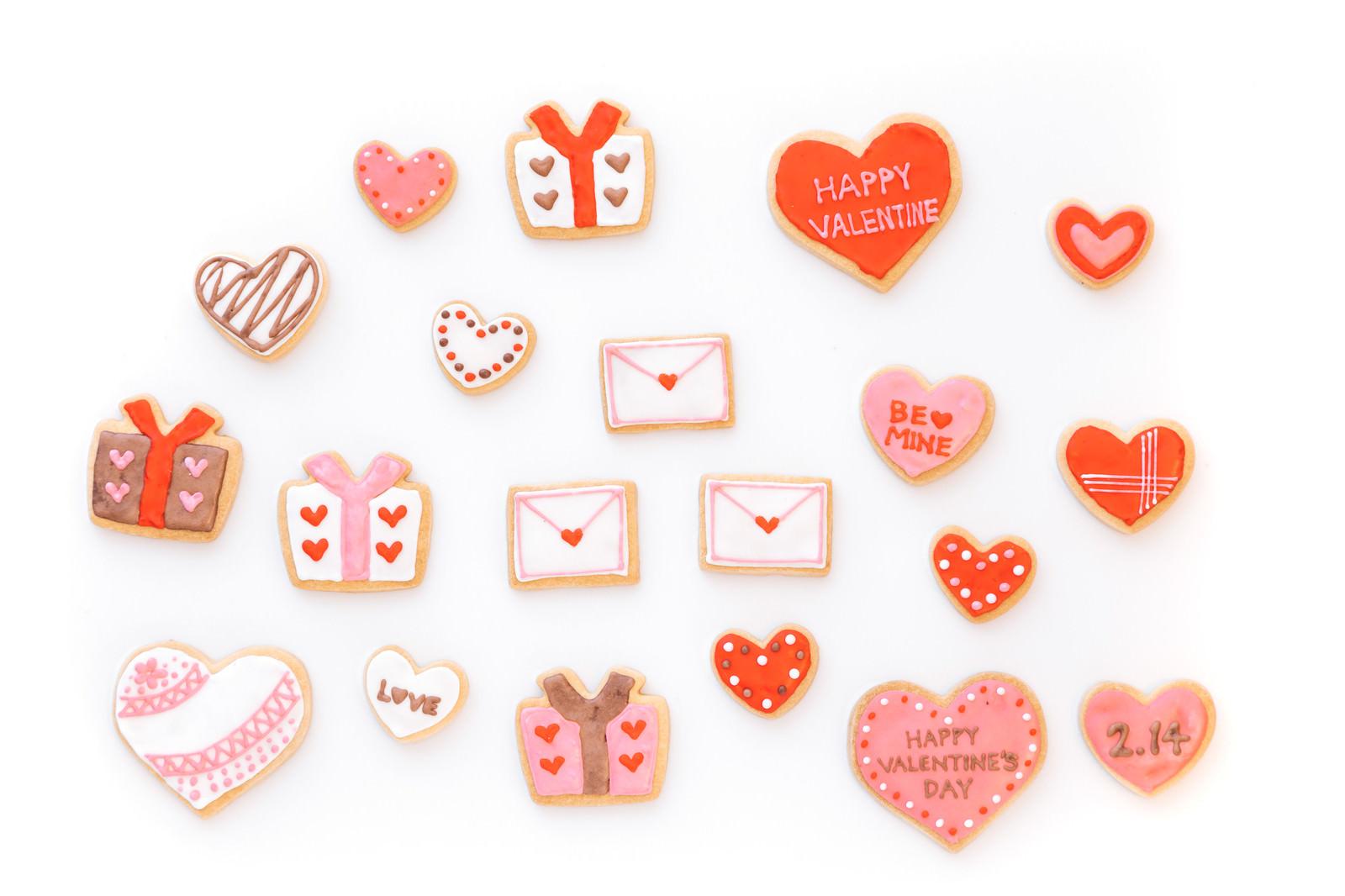 「ラブレターとハートのクッキー」の写真