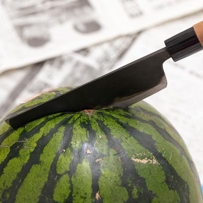西瓜を切断しますの写真