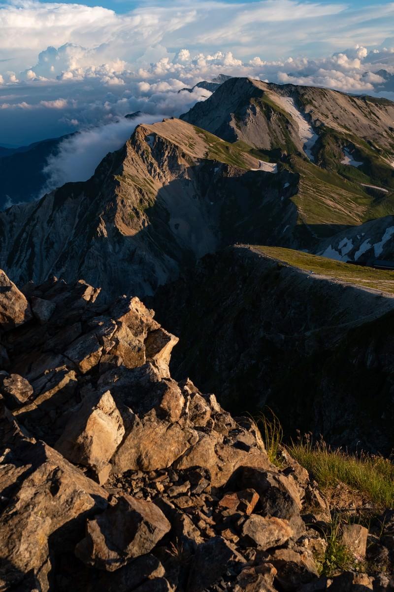 「夏の白馬岳(しろうまだけ)の夕焼け」の写真