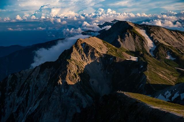 夕暮れ間近の白馬連峰の写真