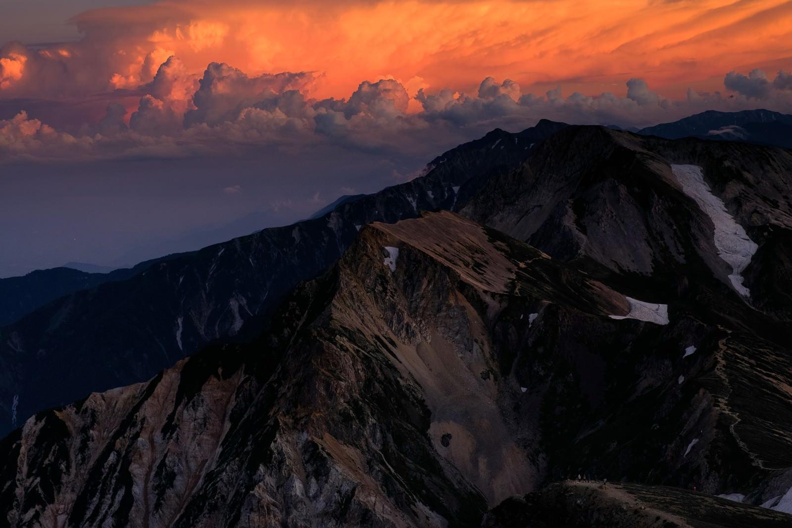 「杓子岳と白馬鑓ヶ岳の夕焼け」の写真