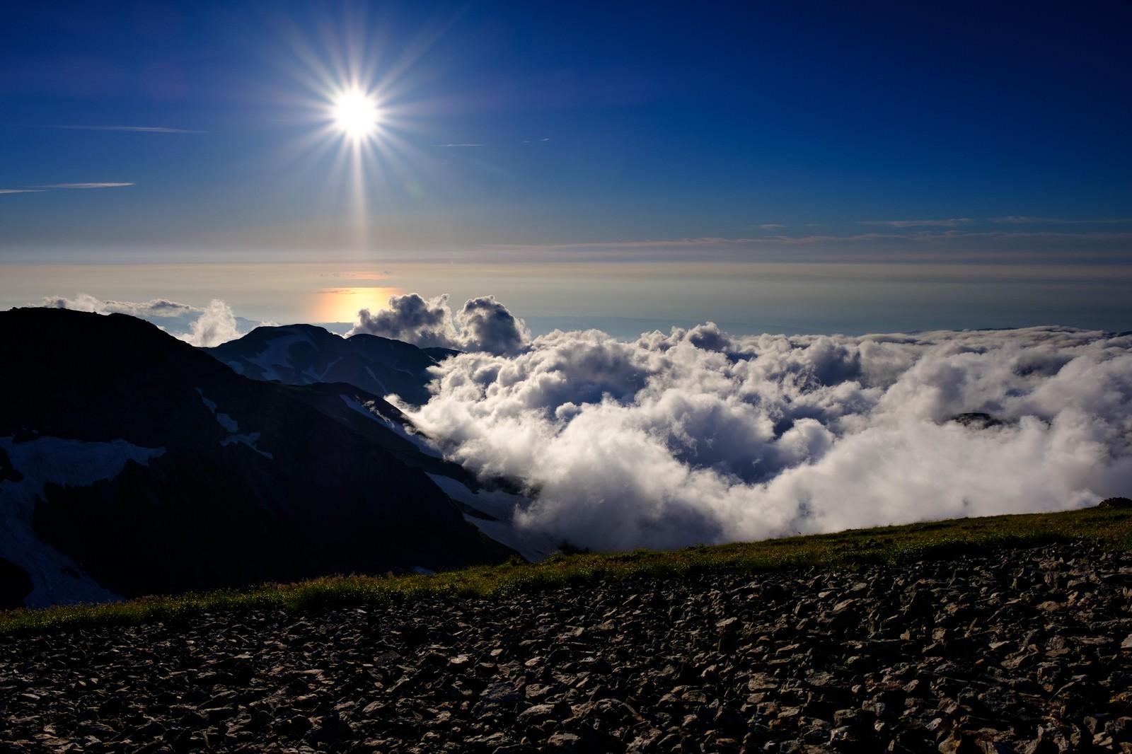 「白馬岳から見る陽の光」の写真