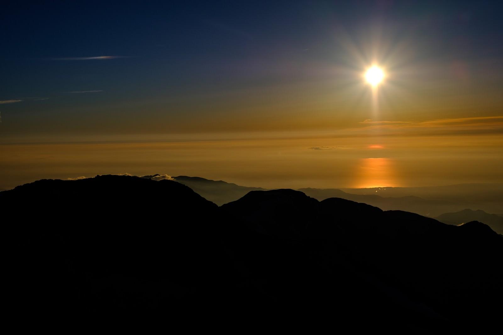 「夕暮れと白馬岳のシルエット」の写真