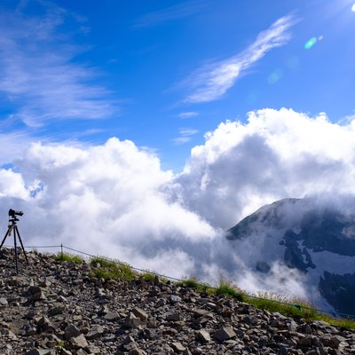 白馬岳山頂の眼下に見える雲の写真